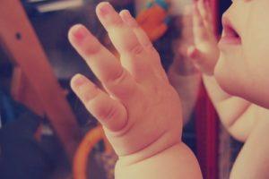 Cómo Enseñar Su Izquierda Y Su Derecha A Un Niño Akros