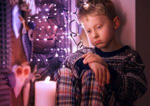 En las fases depresivas los niños se muestran muy tristes sin causa aparente