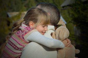 El cariño incondicional ayuda a superar la depresión infantil