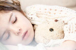 la enuresis nocturno sólo tiene lugar durante el sueño