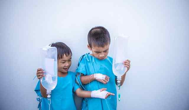 Niños con antibióticos