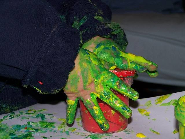 painting-with-hands