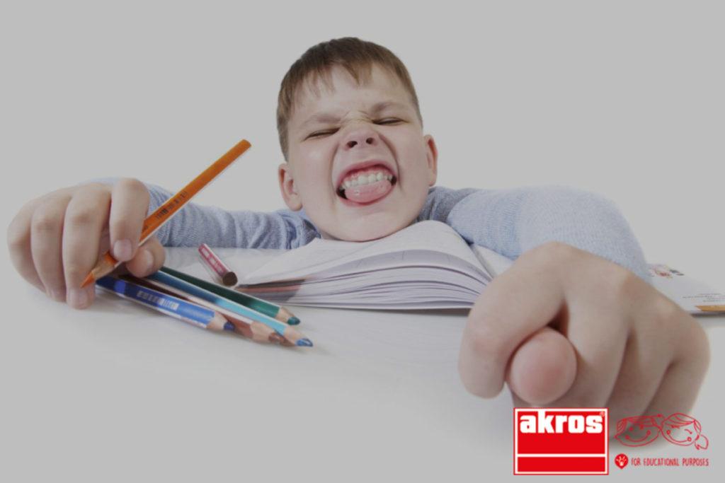 Si el niño es movido, si no atiende e interrumpe son factores a tener en cuenta